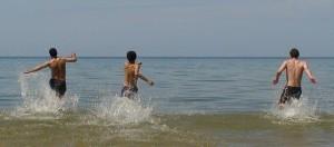 Refreshing plunge in Lake Michigan